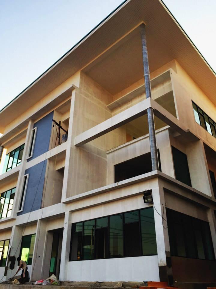 ควบคุมงานก่อสร้างอาคารสำนักงาน 3 ชั้น
